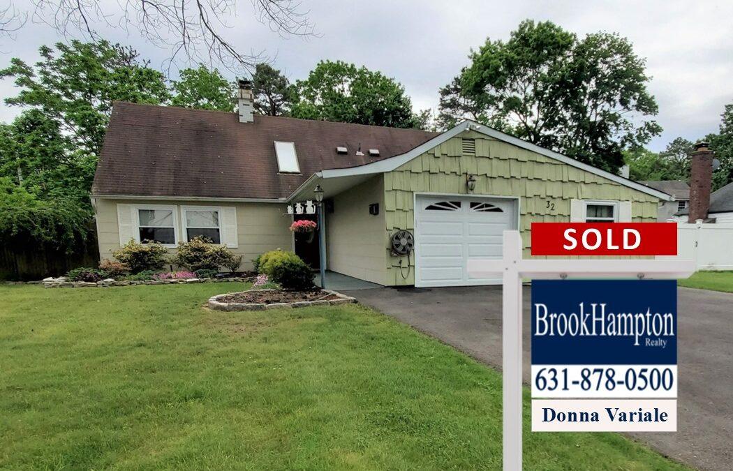 Just Sold! 32 Sagebrush Lane, Islandia, NY 11749